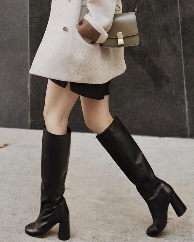 Mỗi kiểu chân váy đều có một đôi boots hoàn hảo để song hành, diện lên xinh ngất ngây và tôn dáng hết cỡ - ảnh 2