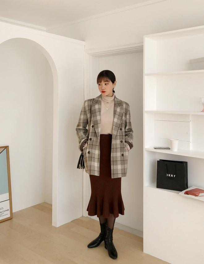 Mỗi kiểu chân váy đều có một đôi boots hoàn hảo để song hành, diện lên xinh ngất ngây và tôn dáng hết cỡ - ảnh 8