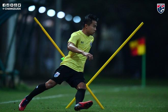 Messi Thái Chanathip tích cực tập luyện chuẩn bị cho màn tái ngộ đôi chân pha lê Tuấn Anh ở Vòng loại World Cup - ảnh 4