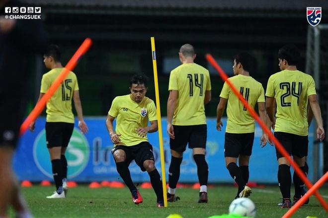 Messi Thái Chanathip tích cực tập luyện chuẩn bị cho màn tái ngộ đôi chân pha lê Tuấn Anh ở Vòng loại World Cup - ảnh 3