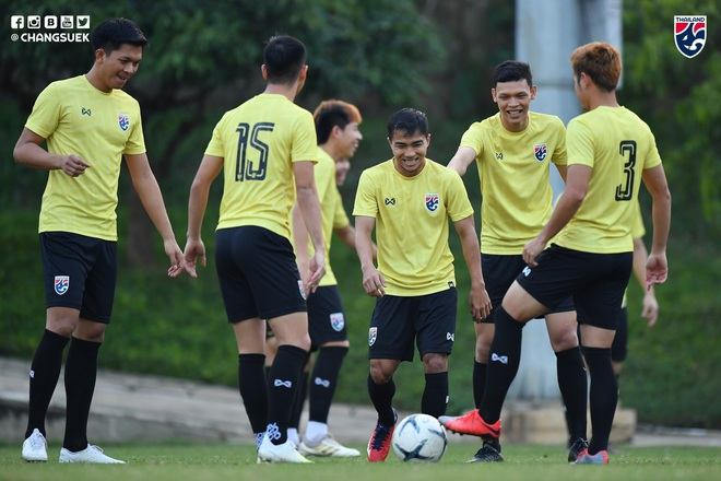 Messi Thái Chanathip tích cực tập luyện chuẩn bị cho màn tái ngộ đôi chân pha lê Tuấn Anh ở Vòng loại World Cup - ảnh 1
