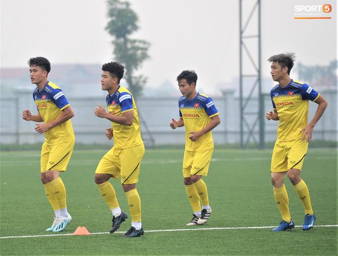 U22 Việt Nam chuẩn bị cho SEA Games 2019: Loại 5 cầu thủ, bất ngờ nhất là Martin Lo - ảnh 1