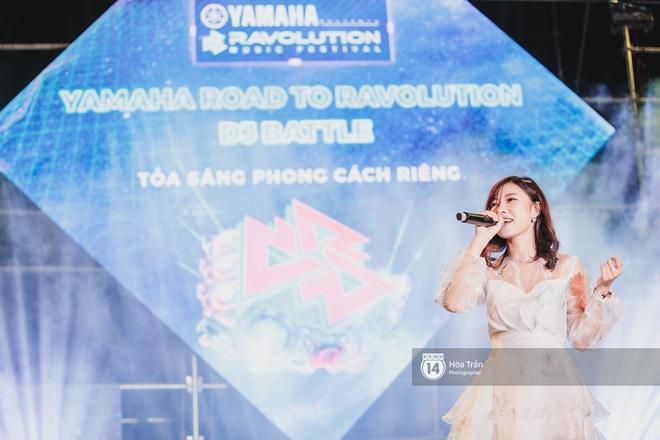 YAMAHA Road to Ravolution: DJ Huy DX căng não để tìm ra người chiến thắng, Binz sung đến mức đòi biểu diễn thêm! - ảnh 7