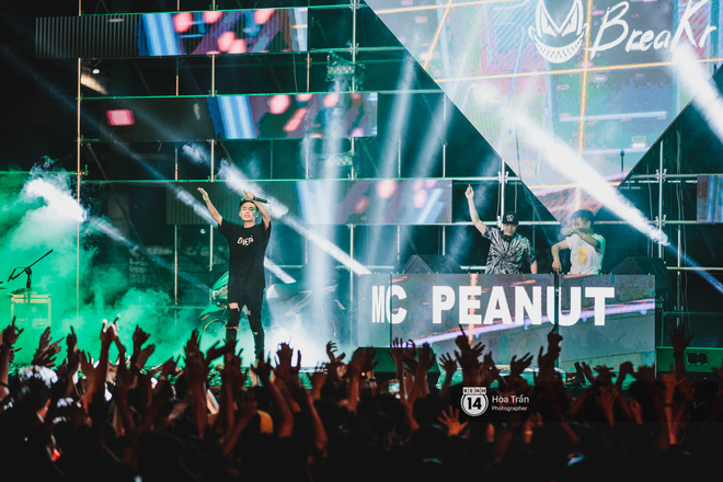 YAMAHA Road to Ravolution: DJ Huy DX căng não để tìm ra người chiến thắng, Binz sung đến mức đòi biểu diễn thêm! - ảnh 9