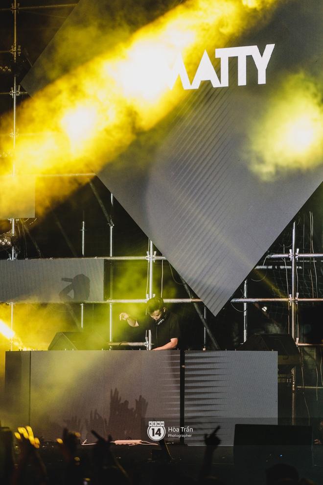 YAMAHA Road to Ravolution: DJ Huy DX căng não để tìm ra người chiến thắng, Binz sung đến mức đòi biểu diễn thêm! - ảnh 8
