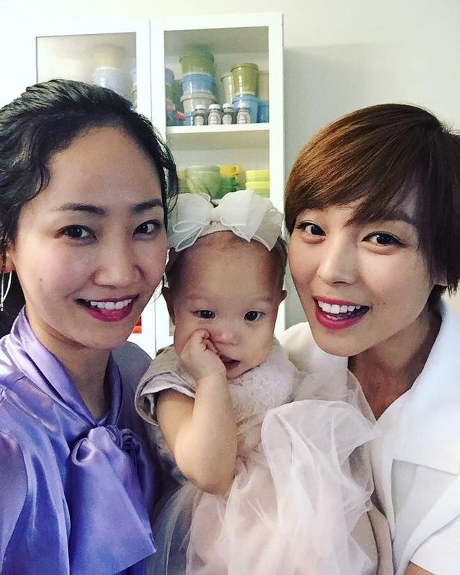 Ai mà ngờ cựu thành viên Wonder Girls giờ đã là mẹ 3 con, công khai gương mặt của 2 đứa bé - ảnh 6