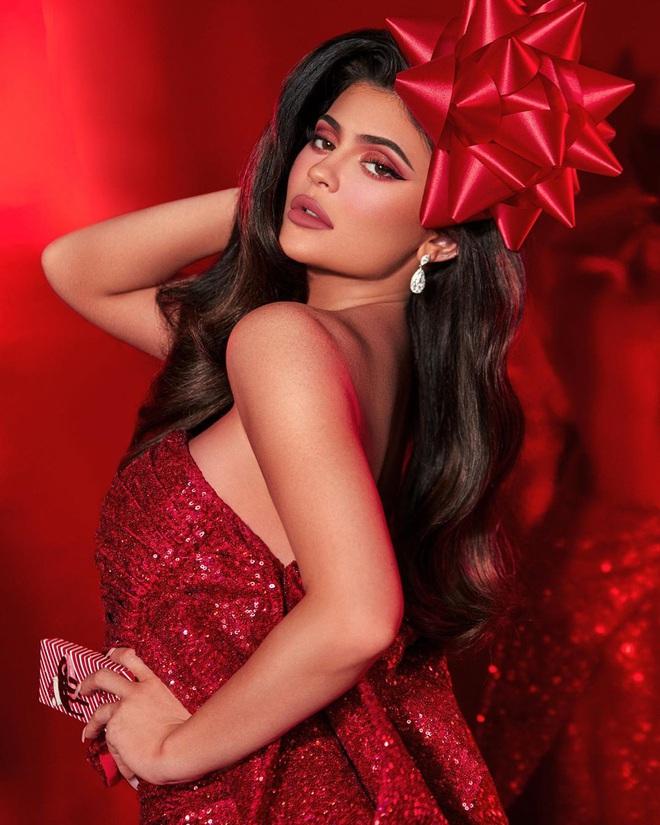 Kylie bán một nửa đế chế Kylie Cosmetics cho ông lớn làng mỹ phẩm, về cùng nhà với thương hiệu Bourjois - ảnh 5