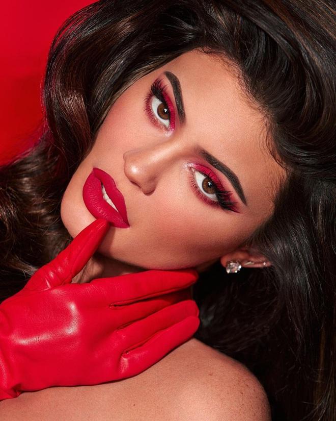 Kylie bán một nửa đế chế Kylie Cosmetics cho ông lớn làng mỹ phẩm, về cùng nhà với thương hiệu Bourjois - ảnh 4