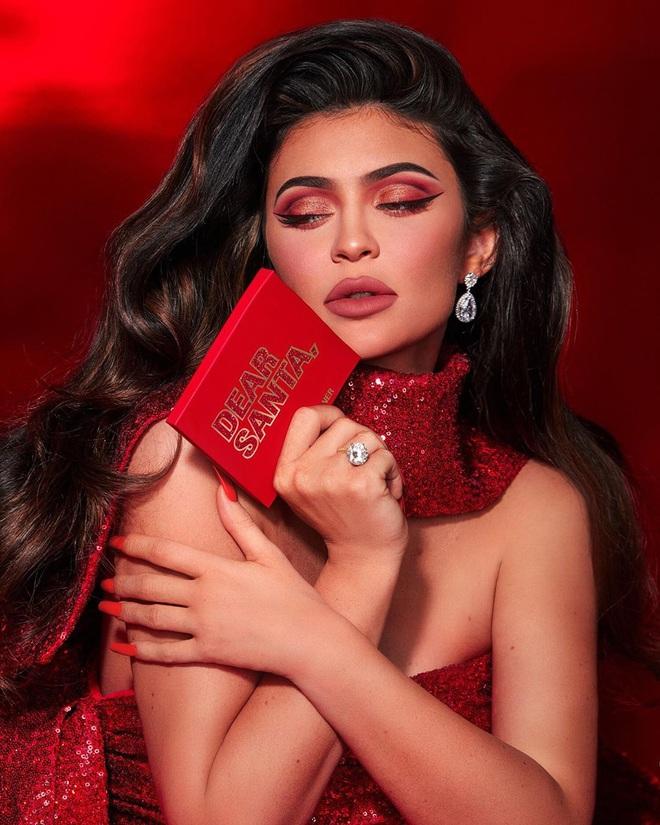 Kylie bán một nửa đế chế Kylie Cosmetics cho ông lớn làng mỹ phẩm, về cùng nhà với thương hiệu Bourjois - ảnh 3