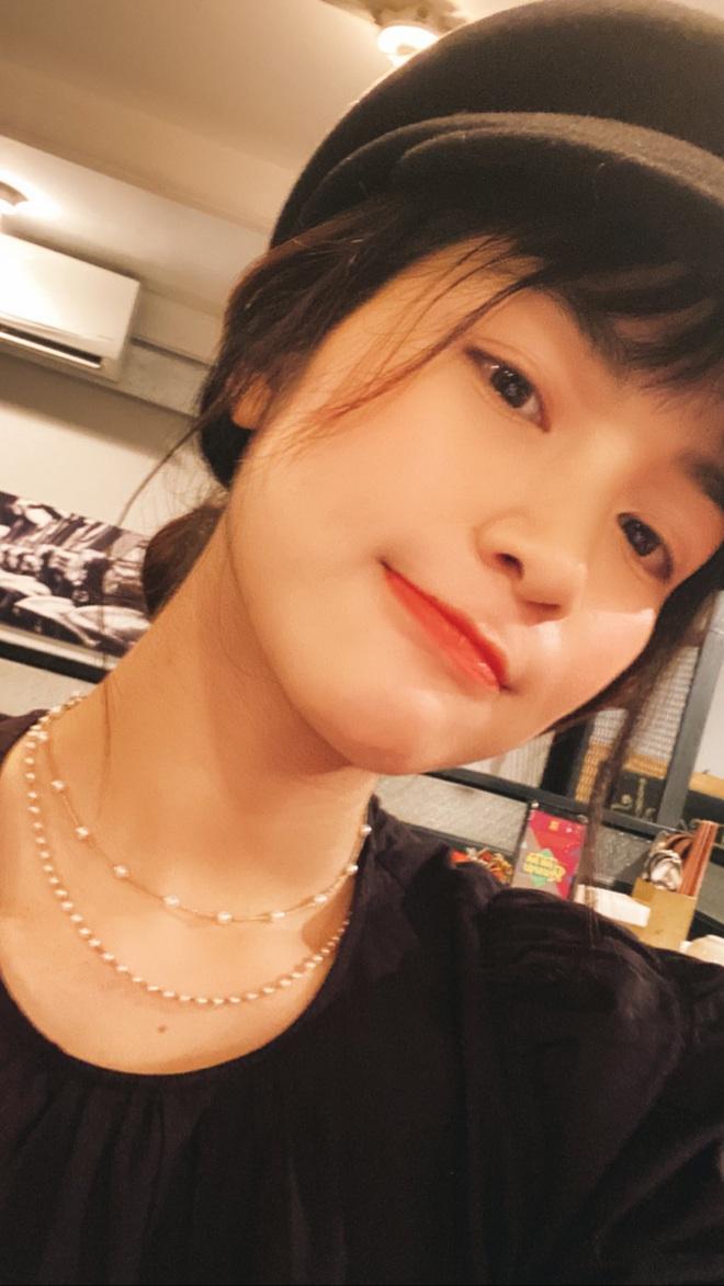"""Đi shopping như Hòa Minzy cũng khổ: Từ tóc mái đến mũ mão, mua gì về cũng phát hiện bị """"hớ"""" - ảnh 4"""
