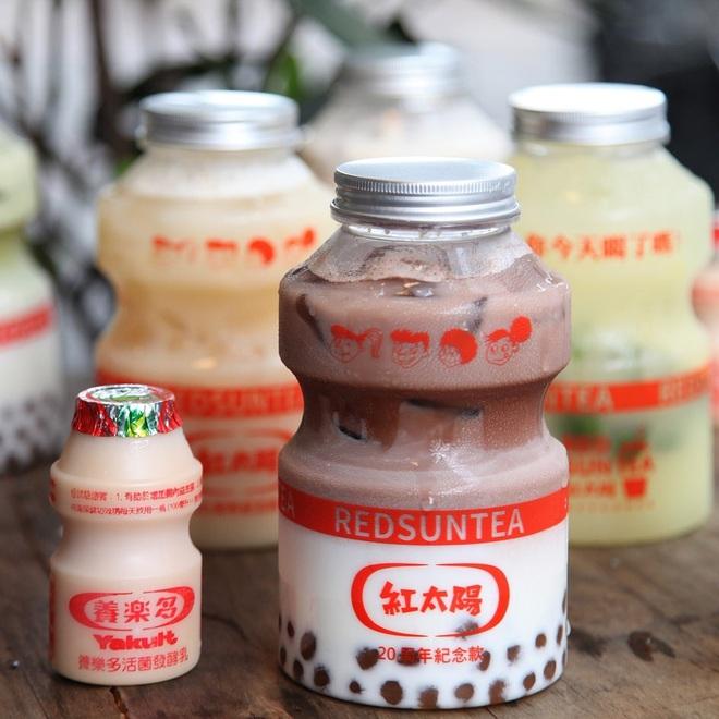 Tín đồ trà sữa phát cuồng với phiên bản đặc biệt hình lọ sữa chua uống siêu to khổng lồ có dung tích lên đến 700ml tại Đài Nam - Ảnh 11.