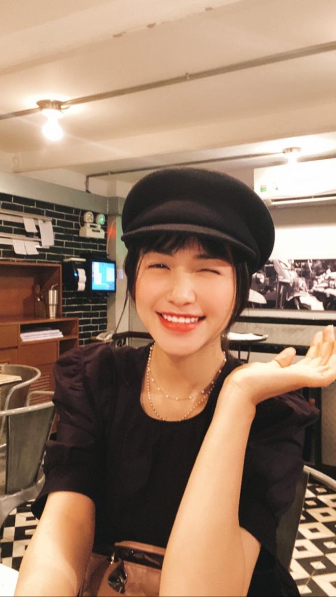 """Đi shopping như Hòa Minzy cũng khổ: Từ tóc mái đến mũ mão, mua gì về cũng phát hiện bị """"hớ"""" - ảnh 3"""