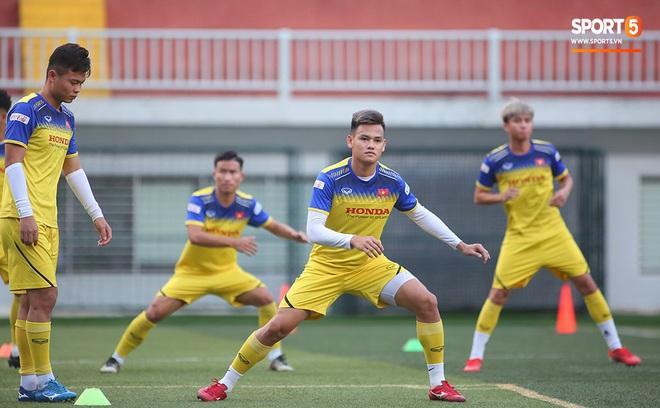Tiền vệ Trương Văn Thái Quý: Trọng Hoàng và Hùng Dũng sẽ là sự bổ sung cần thiết cho U22 Việt Nam hướng tới mục tiêu cao nhất tại SEA Games 30 - ảnh 7