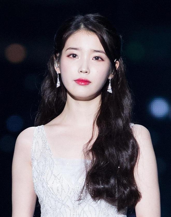 Nhan sắc các nữ thần Hàn qua phản ứng của dàn sao đình đám: GD mê Yoona như điếu đổ, IU mê hoặc cả em út BTS và TWICE - ảnh 4