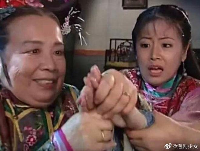 Lâm Tâm Như vui mừng tột độ khi bất ngờ gặp Dung Ma Ma, gợi nhớ cảnh kim đâm kinh điển 20 năm trước - ảnh 7