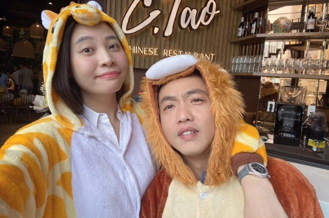 Được Cường Đô La mừng sinh nhật sớm, Đàm Thu Trang lần đầu để lộ vóc dáng sau tin đồn mang thai con đầu lòng - Ảnh 2.