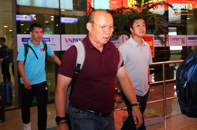 Thầy Park và hàng loạt trụ cột trễ chuyến bay, ảnh hưởng tới kế hoạch tập luyện hướng tới SEA Games 2019 - ảnh 5