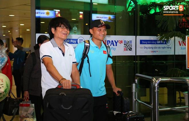 Thầy Park và hàng loạt trụ cột trễ chuyến bay, ảnh hưởng tới kế hoạch tập luyện hướng tới SEA Games 2019 - ảnh 4