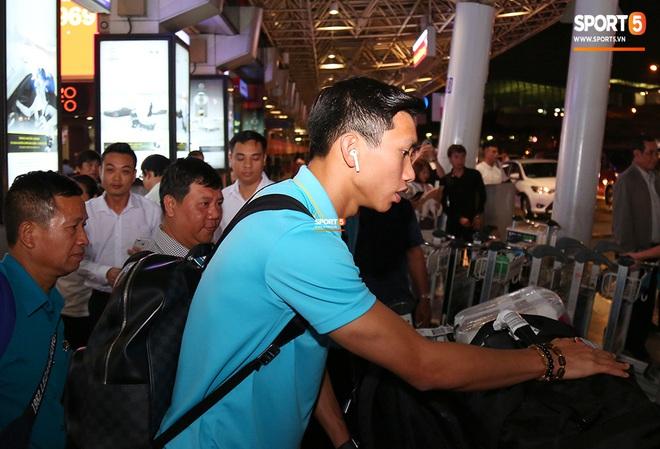 Thầy Park và hàng loạt trụ cột trễ chuyến bay, ảnh hưởng tới kế hoạch tập luyện hướng tới SEA Games 2019 - ảnh 6