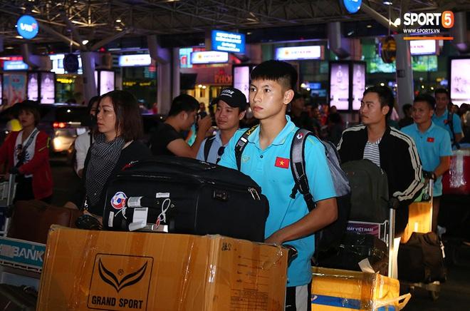 Thầy Park và hàng loạt trụ cột trễ chuyến bay, ảnh hưởng tới kế hoạch tập luyện hướng tới SEA Games 2019 - ảnh 7
