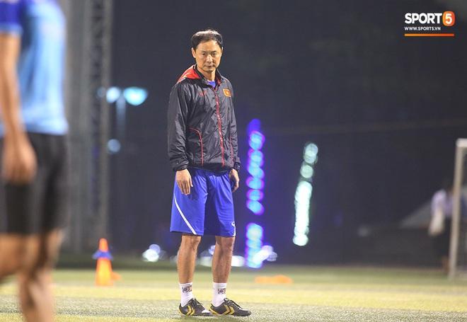 Thầy Park và hàng loạt trụ cột trễ chuyến bay, ảnh hưởng tới kế hoạch tập luyện hướng tới SEA Games 2019 - ảnh 10