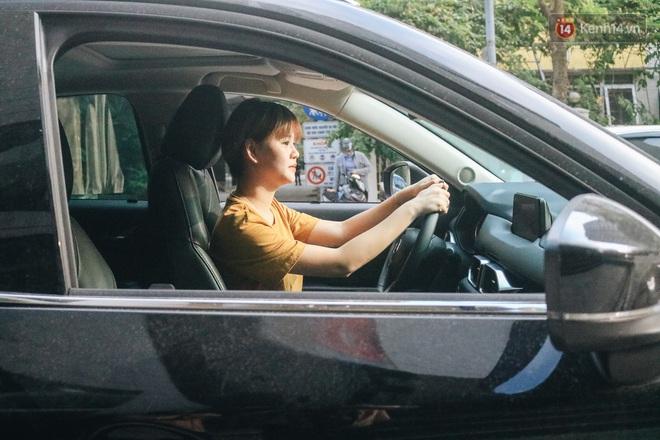 Từ vụ nữ tài xế Mercedes gây tai nạn kinh hoàng khiến 1 người chết: Chị em phụ nữ nói về gót giày tử thần khi lái xe - ảnh 1