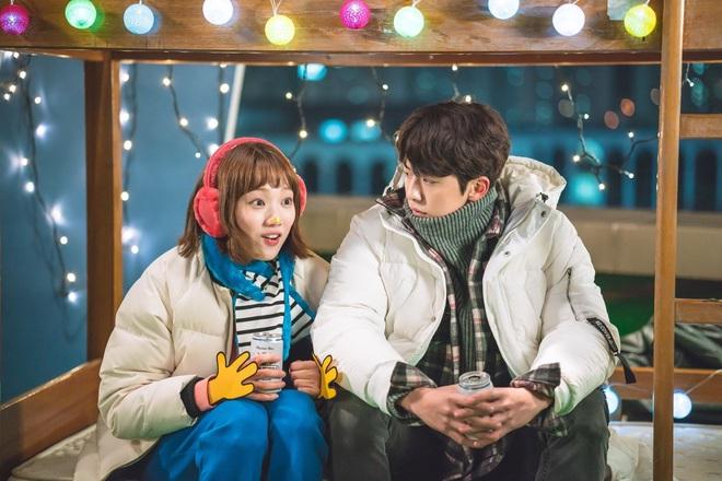 4 ngôi trường trong mơ chỉ có trong phim Hàn: Chủ yếu là tràn bờ đê trai đẹp từ thầy cho đến học sinh! - Ảnh 2.