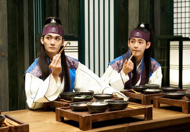 4 ngôi trường trong mơ chỉ có trong phim Hàn: Chủ yếu là tràn bờ đê trai đẹp từ thầy cho đến học sinh! - Ảnh 16.