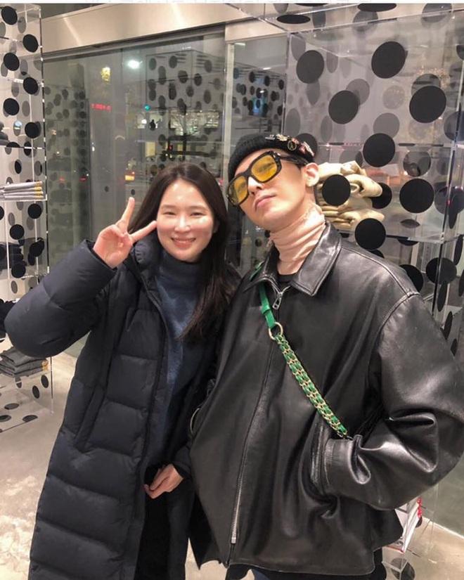 Chung tình như G-Dragon: Có cái áo cổ lọ cũng giữ mặc suốt từ năm 2016 đến giờ - ảnh 4