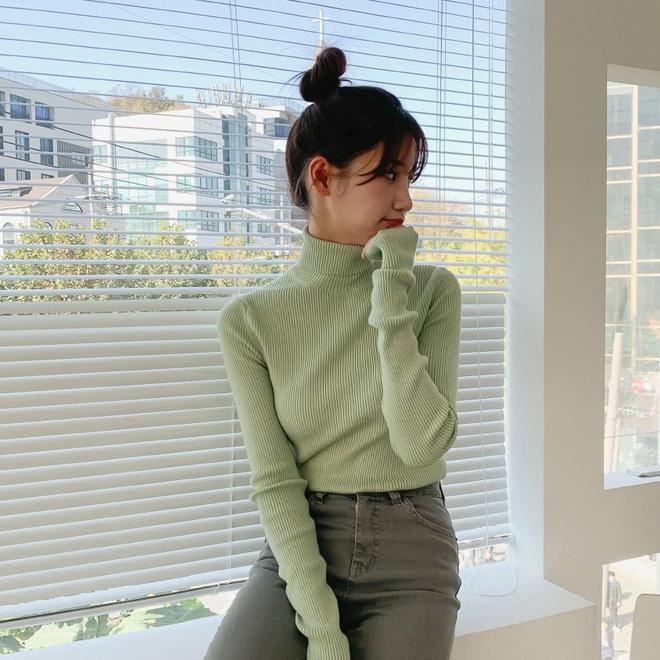 Trong muôn vàn mẫu áo len, đây là 4 kiểu sẽ giúp vẻ ngoài của bạn tăng thêm bội phần tây tây sang chảnh - ảnh 12