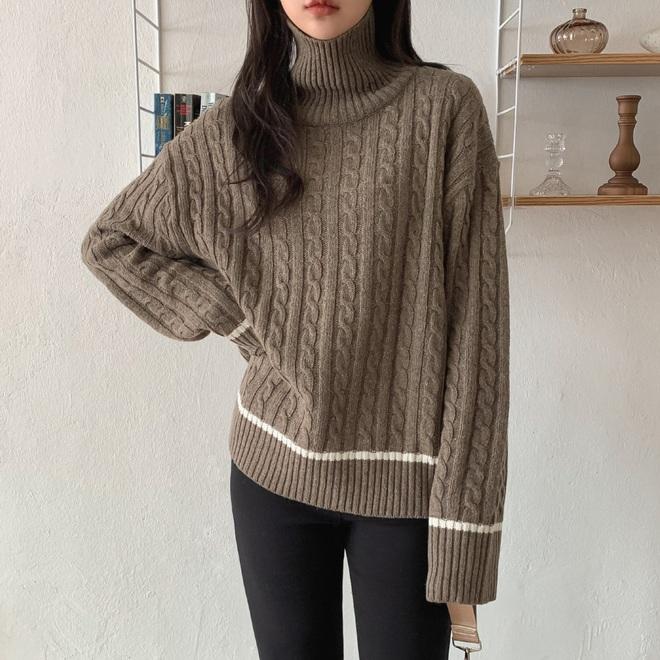Trong muôn vàn mẫu áo len, đây là 4 kiểu sẽ giúp vẻ ngoài của bạn tăng thêm bội phần tây tây sang chảnh - ảnh 13