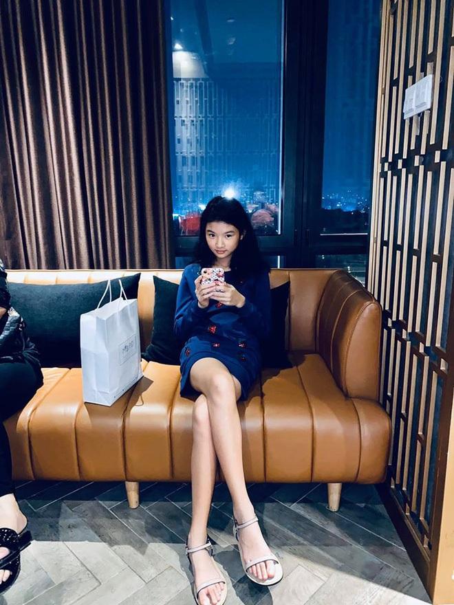 Không chỉ con gái Quyền Linh, hội tiểu thư showbiz Việt toàn sở hữu gen mỹ nhân, sớm nhìn ra tố chất hoa hậu từ khi còn đi học - ảnh 37