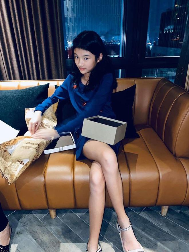 Không chỉ con gái Quyền Linh, hội tiểu thư showbiz Việt toàn sở hữu gen mỹ nhân, sớm nhìn ra tố chất hoa hậu từ khi còn đi học - ảnh 36