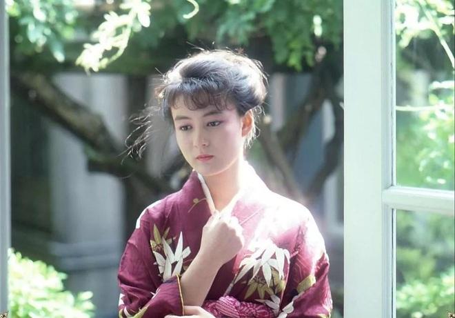 Bất ngờ với mỹ nhân AV Nhật Bản có nhan sắc thời trẻ giống hệt Địch Lệ Nhiệt Ba với 1001 khoảnh khắc bắt lú - ảnh 7