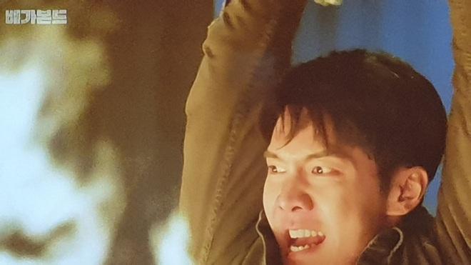 Vagabond tập 15 cực twist: Lộ diện thân phận trùm cuối, Lee Seung Gi bị thiêu sống trong nhà kho - ảnh 19