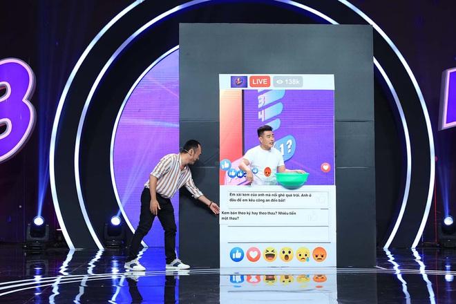 Lê Dương Bảo Lâm trổ tài bán kem trộn trên truyền hình, đòi block hết dàn sao Việt - ảnh 2