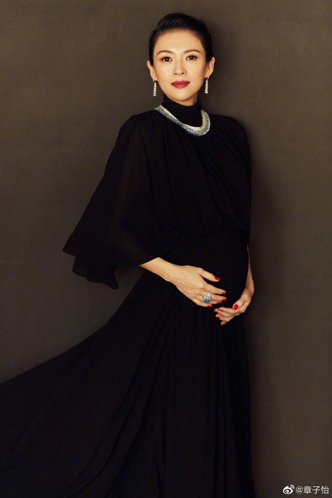 Nữ hoàng thảm đỏ Cbiz 2019: Phạm Gia sa sút phong độ, Triệu Vy ngày một đẳng cấp, Angela Baby và Quan Hiểu Đồng đua đồ Haute Couture - ảnh 17