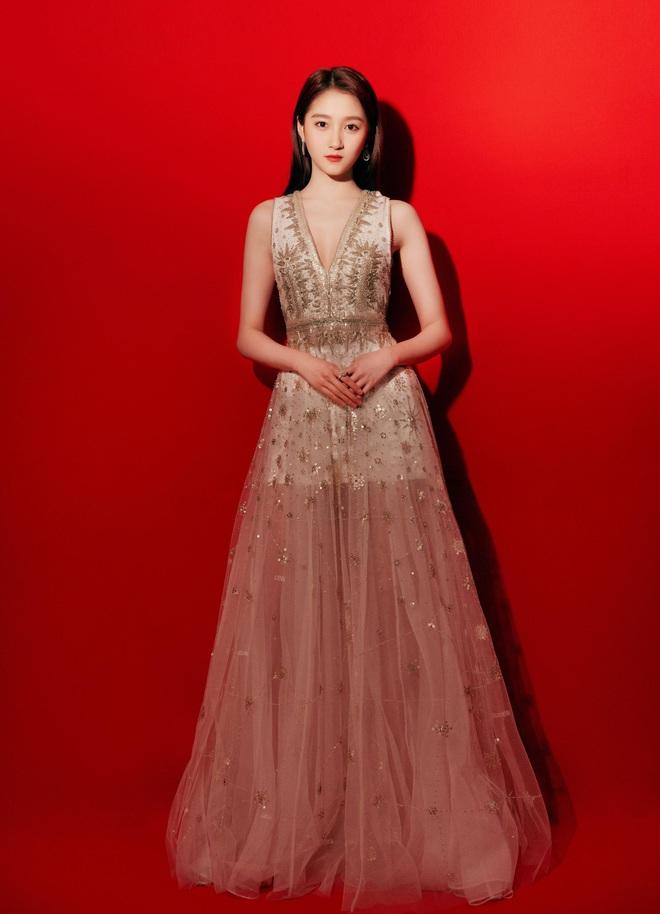 Nữ hoàng thảm đỏ Cbiz 2019: Phạm Gia sa sút phong độ, Triệu Vy ngày một đẳng cấp, Angela Baby và Quan Hiểu Đồng đua đồ Haute Couture - ảnh 44