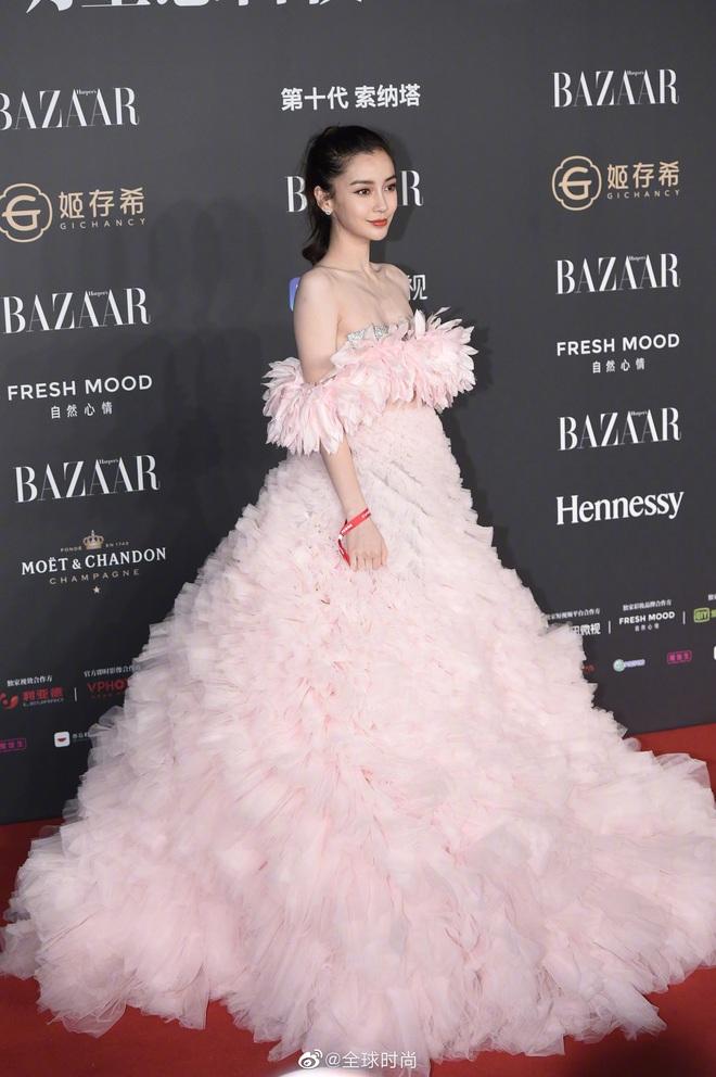 Nữ hoàng thảm đỏ Cbiz 2019: Phạm Gia sa sút phong độ, Triệu Vy ngày một đẳng cấp, Angela Baby và Quan Hiểu Đồng đua đồ Haute Couture - ảnh 24