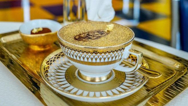 """Giới thượng lưu Dubai """"cuồng"""" vàng đến mức nào? Sẵn sàng vung tiền để ăn món dát vàng, có loại pizza lên đến… 4,8 tỷ/ cái - Ảnh 7."""