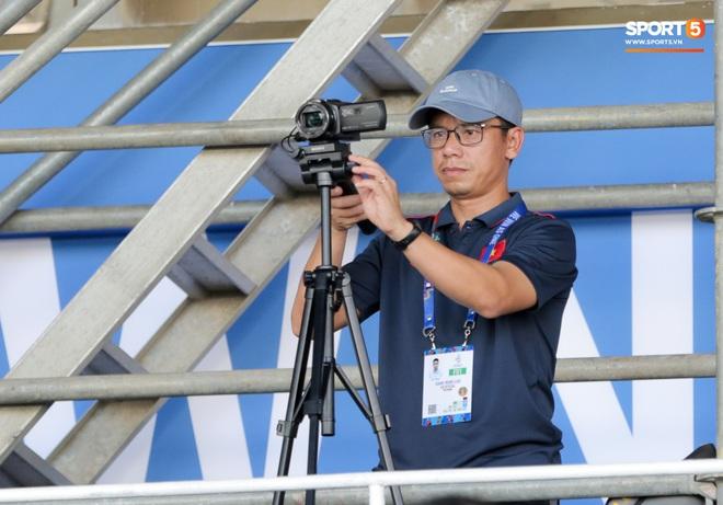 Tin chắc sẽ vượt qua vòng bảng, HLV Park Hang-seo cử trợ lý U22 Việt Nam thăm dò đối thủ ở bán kết SEA Games 2019 - Ảnh 3.