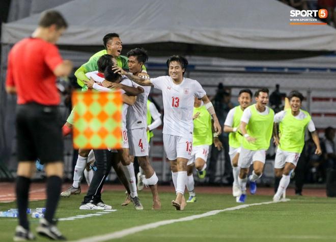 Tin chắc sẽ vượt qua vòng bảng, HLV Park Hang-seo cử trợ lý U22 Việt Nam thăm dò đối thủ ở bán kết SEA Games 2019 - Ảnh 8.