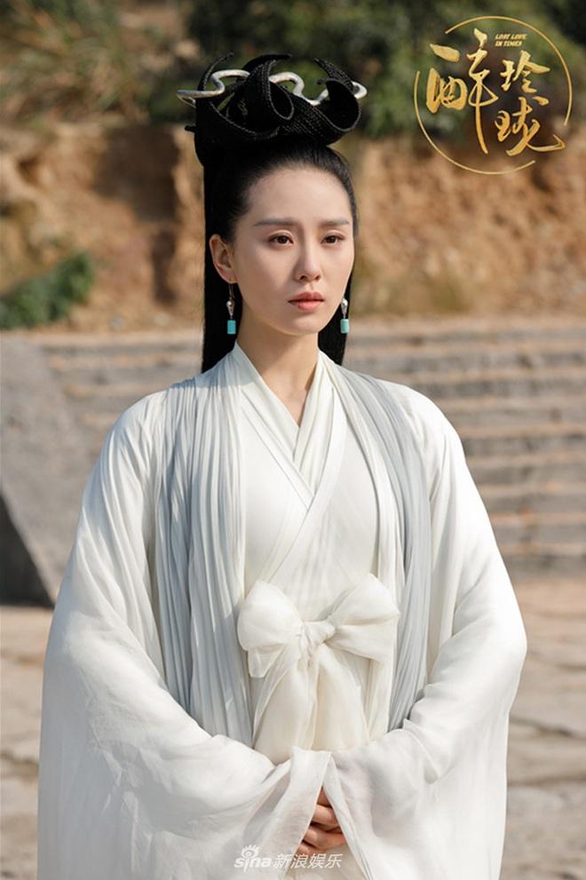 Tai nạn phim trường điếng người của sao Hoa Ngữ: Lưu Thi Thi suýt bị treo cổ, Mulan Lưu Diệc Phi vẫy vùng giữa biển lửa - Ảnh 9.