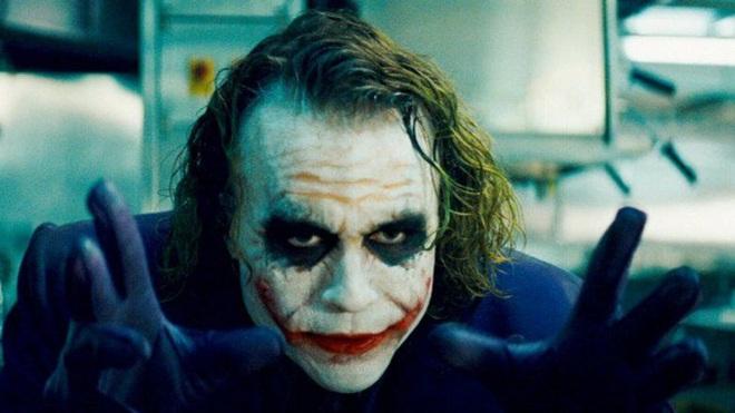 """8 sao Hollywood sống dở chết dở vì vai diễn: Thánh nhọ Leo suýt đi đời, ai đóng Joker đều dính """"lời nguyền"""" khó lí giải? - Ảnh 7."""