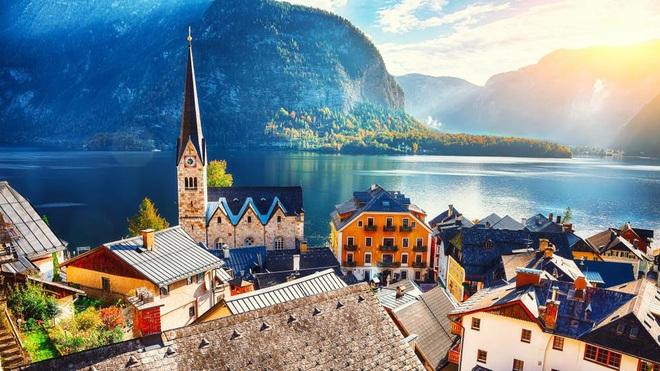 Trước vụ cháy ngày hôm nay, Hallstatt (Áo) được biết đến là thị trấn cổ nghìn năm với những hình ảnh đẹp mê ảo - Ảnh 5.