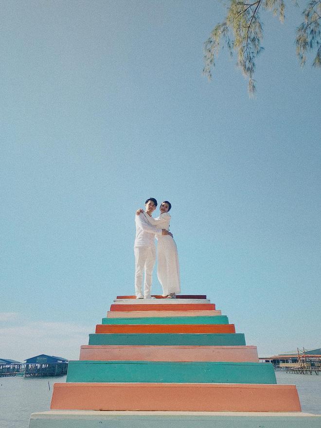 Vợ chồng Đông Nhi - Ông Cao Thắng tiếp tục vi vu hậu lễ cưới thế kỷ, tung loạt khoảnh khắc đẹp như MV - Ảnh 4.