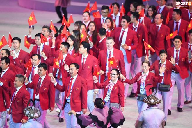 SEA Games 30 chính thức khởi tranh sau buổi lễ khai mạc hoành tráng, đoàn Việt Nam sẵn sàng mang vinh quang về cho dân tộc - Ảnh 1.