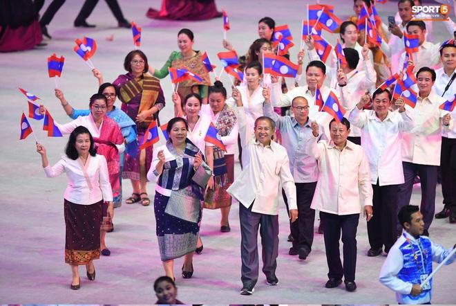 SEA Games 30 chính thức khởi tranh sau buổi lễ khai mạc hoành tráng, đoàn Việt Nam sẵn sàng mang vinh quang về cho dân tộc - Ảnh 12.