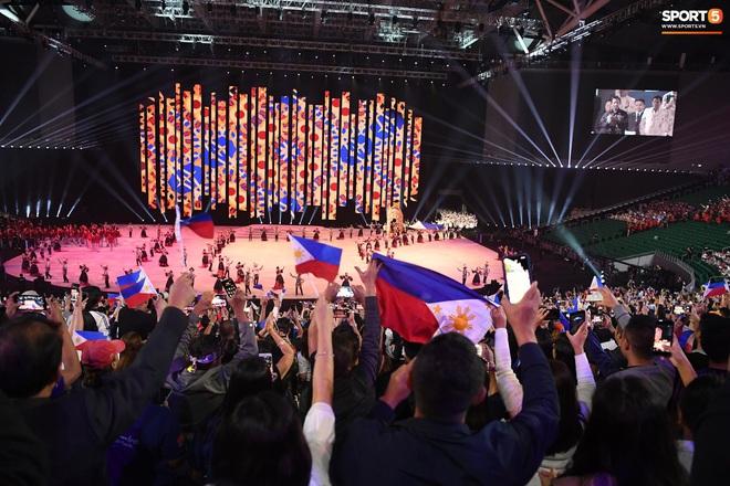 SEA Games 30 chính thức khởi tranh sau buổi lễ khai mạc hoành tráng, đoàn Việt Nam sẵn sàng mang vinh quang về cho dân tộc - Ảnh 10.