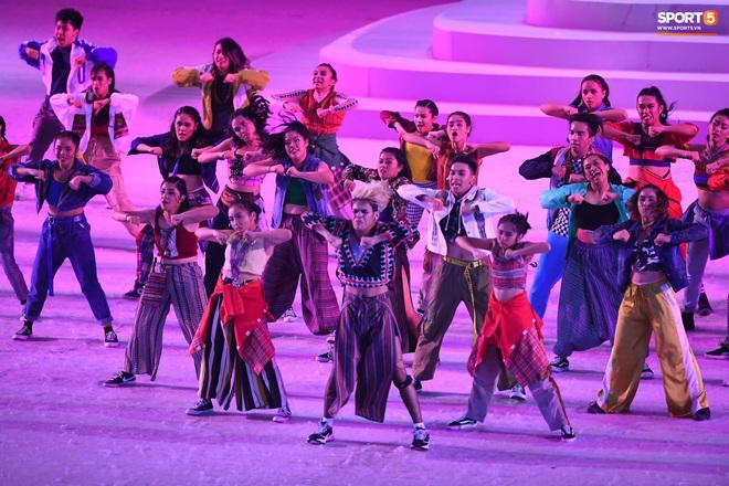 SEA Games 30 chính thức khởi tranh sau buổi lễ khai mạc hoành tráng, đoàn Việt Nam sẵn sàng mang vinh quang về cho dân tộc - Ảnh 4.